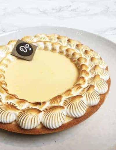 Foto van de gâteau citroen-merengue gemaakt door DS Patisserie.